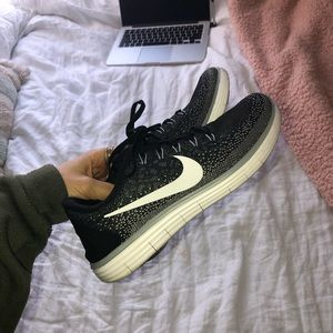 Nike Free Rn Distance Sneakers